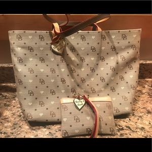 Dooney and Bourke tote and small wristlet